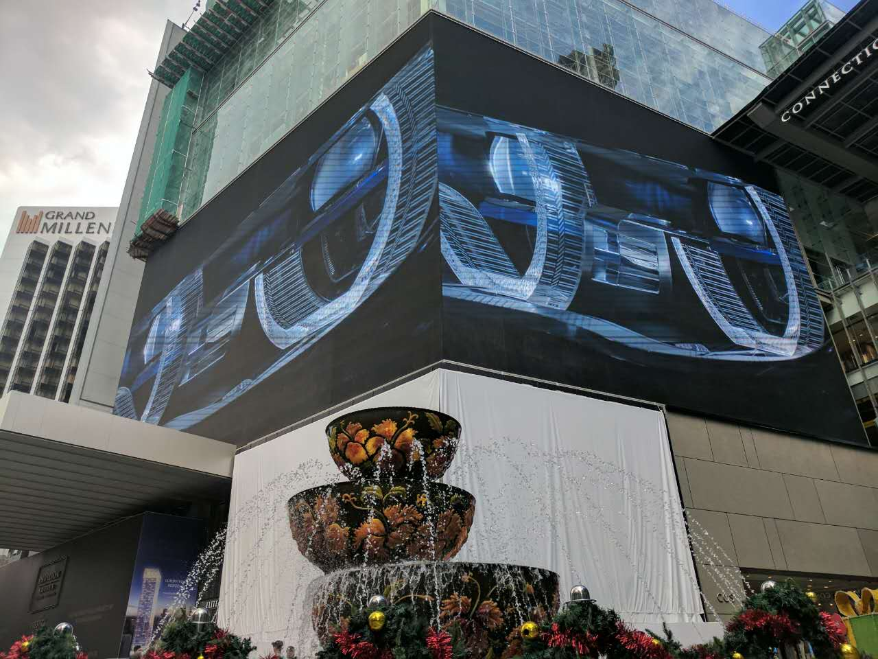 BAKO P12.8 SMD outdoor LED display of 1500㎡ shows up in Kuala Lumpur Pavilion